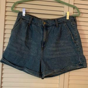 High waisted mom Jean shorts
